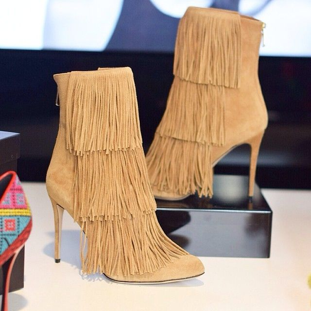 I found my next shoe purchase in the @netaporter offices yesterday...