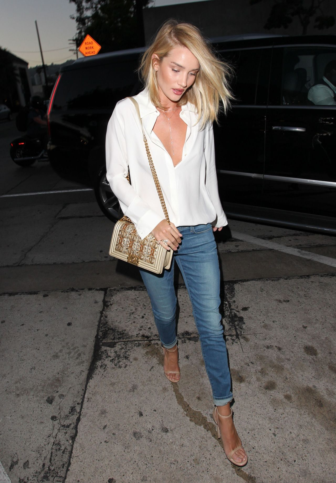 Rosie Huntington-Whiteleys 3 Foolproof Date Night Looks