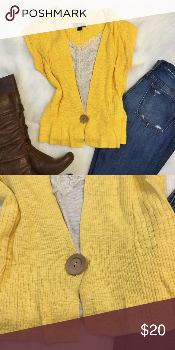 Gold short sleeve cardigan Yellowish gold (first picture shows ...
