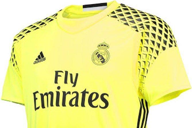 Las camisetas de portero del Real Madrid 16-17 serán amarilla y azul ... 1351136a81770