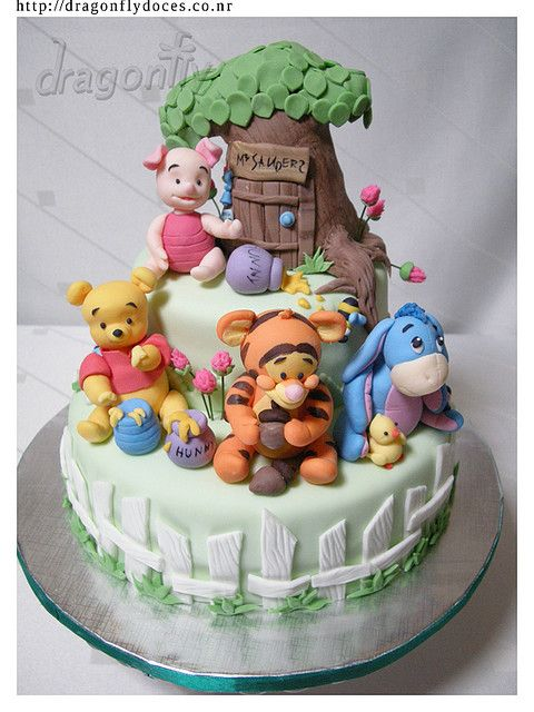 Baby Winnie the Pooh & Friends cake.
