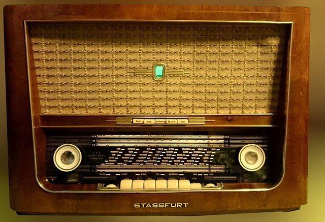 Peter Em80 On Instagram Stassfurt Diamant 8e 158 I Von 1957 Tuberadio Antik Radio Rohrenradio Rohre Stass Antique Radio Vintage Radio Retro Radios