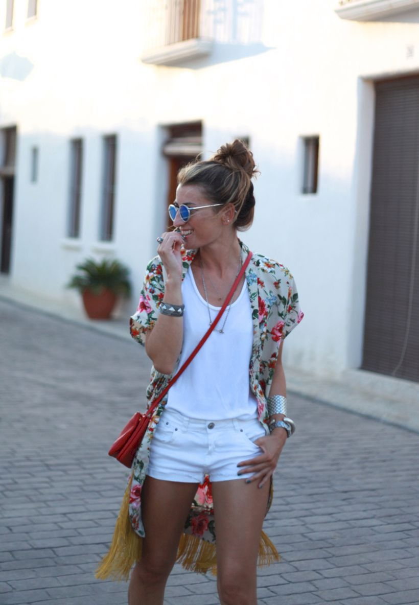 Breathtaking 39 Sweet Kimono Chic Outfit Ideas to Try