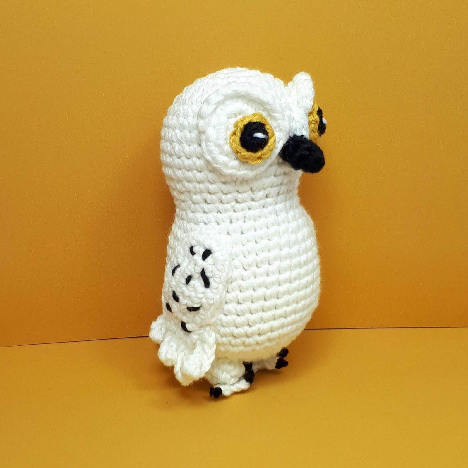 Cute owl in dress amigurumi pattern   Bichinhos de croche ...   1600x1599