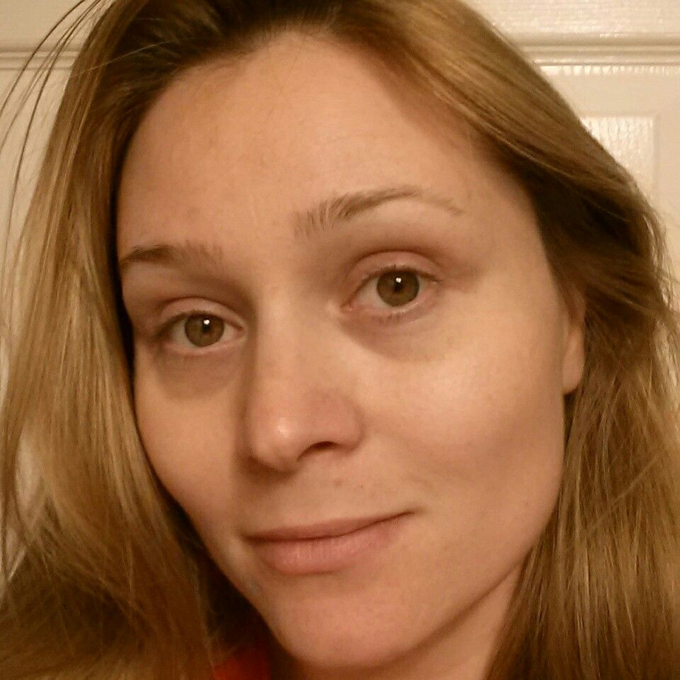 Here is what age 32 looks like no makeup or photo filter