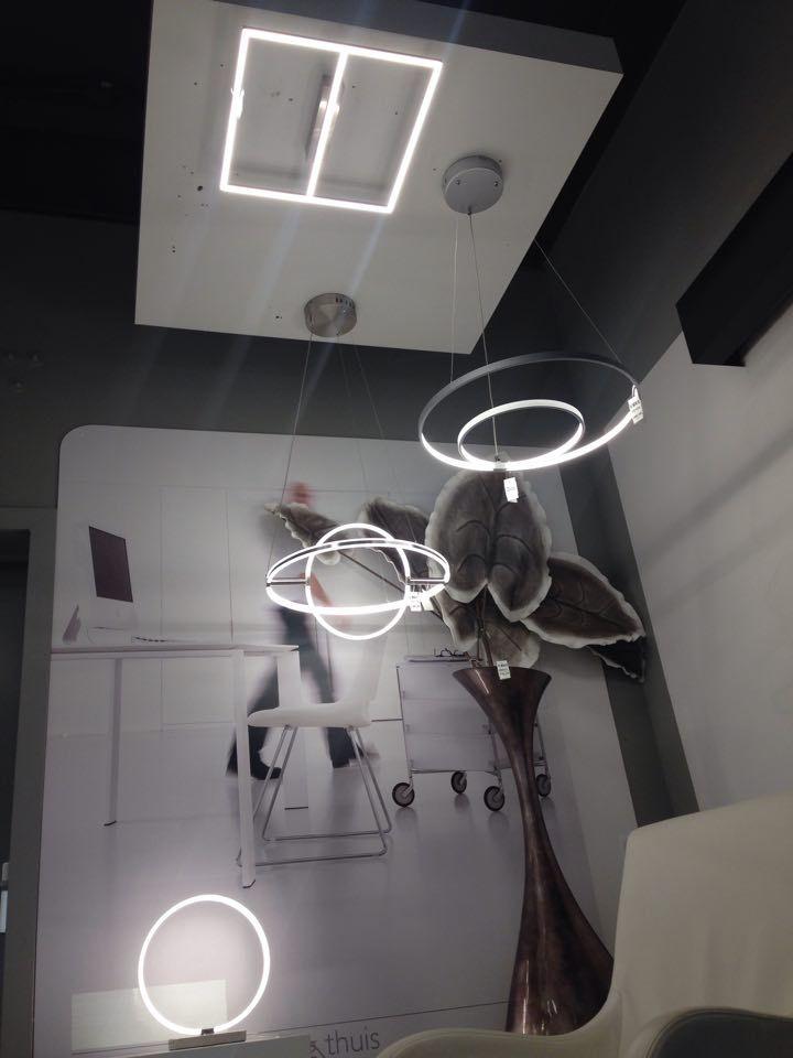 showroom/ tienda interior . / apliques de pared lámparas interior sala dormitorio lámparas led , lámparas Apliques de pared / lámparas de pie / Lampara colgante lampara / industrieel Lámpara colgantes Lámpara de techo de estilo ideal para interiores modernos en frente Cocina , sala dormitorio lámpara / . español / Spain . E-mail: info@zoxx.es .. Haga clic en este enlace . tienda online : (( www.zoxx.es )) Sin gastos de envío