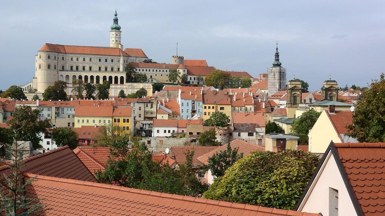 Castle, Mikulov, Mikulov Castle, Moravia #castle, #mikulov ...