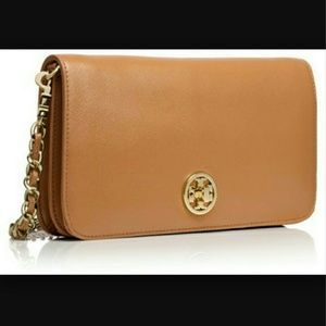 ***SOLD***TORY BURCH Crossbody/Clutch still available! #Adalyn #clutch #ToryBurch #CrossBody #bag #sand #Poshmark