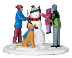 Lemax Village Collection Ihr erster Schneemann # 43105 #Weihnachten#Dekoration #dekoweihnachtentisch