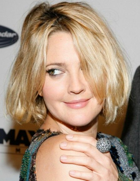 Celebrity Short Hairstyle Ideas: Layered Bob Cut for Thick ...