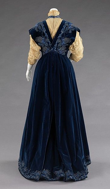 Evening dress House of Worth  (French, 1858–1956) Designer: Jean-Philippe Worth (French, 1856–1926) Date: 1898 Culture: French Medium: silk, metal