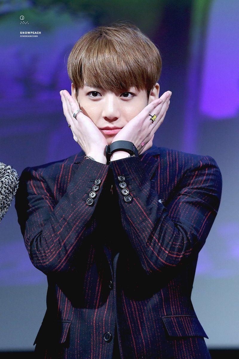 Jungkook ❤ BTS at the Bundang Fansign #BTS #방탄소년단