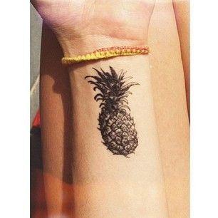 jajaja OMG creo que si me tatuaría una piña xD (por el puro valor estético jaja)