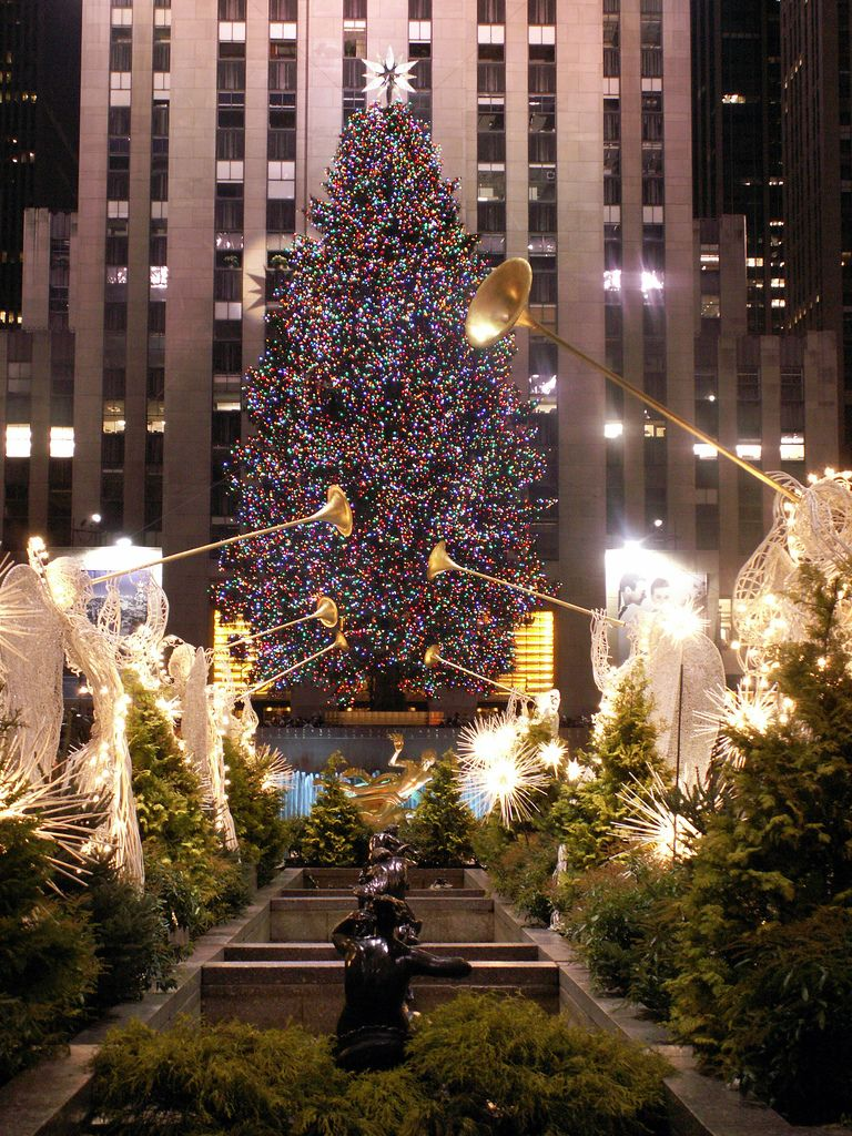 The Christmas Tree At Rockefeller Center In 2019 Christmas Lights