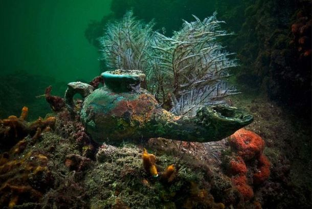 Ancient Lamp Discovered Off The Coast Of Egypt From The Sunken - Explorers discover ancient 1200 year old egyptian city