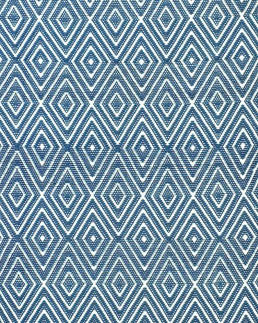 Completely Reversible This Versatile Indoor Outdoor Rug By Dash Albert Is Water Resistant
