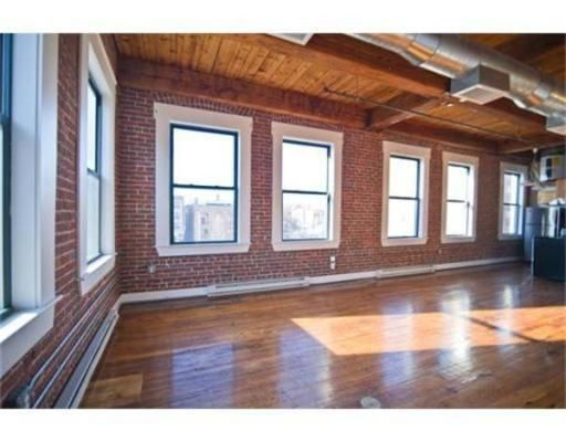 Cheap lofts in chicago loft apartments for rent great for Industrial loft for rent chicago