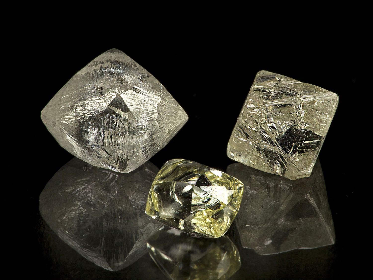 Wonder what is this gem stones are? They are natural rough ...