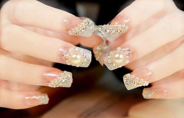 Dise os u as para novias dise os de u as para novias con for Unas decoradas con piedras brillantes