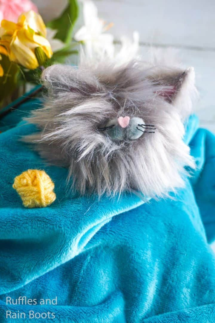 Easy DIY Pom Pom Pets Make Adorable Gnome Pets