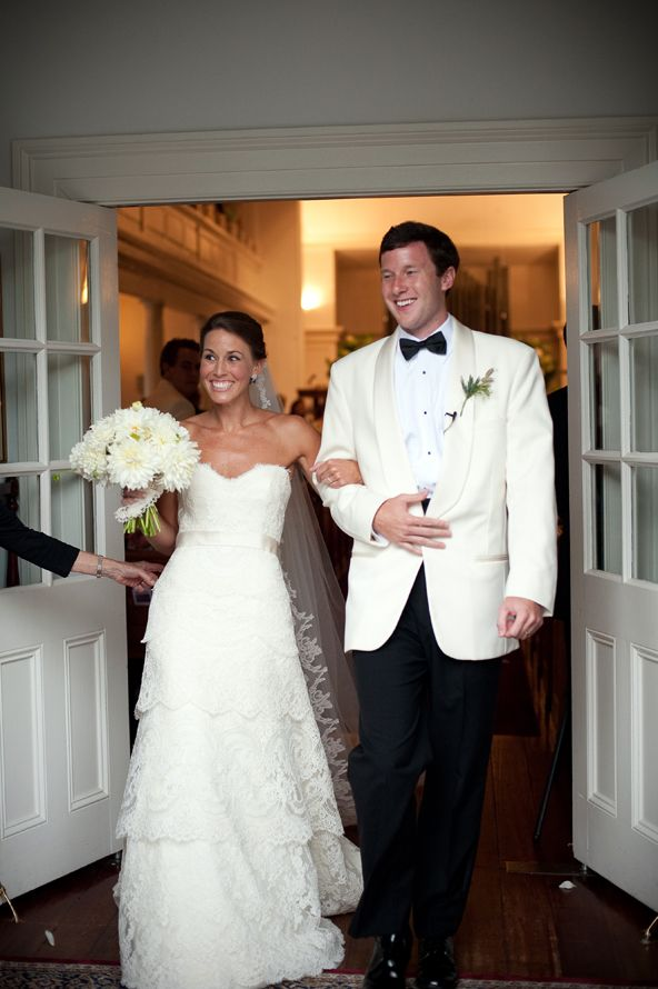 Pin By Rachel Tate On Wedding White Tuxedo Wedding Groom Tuxedo Wedding Tuxedo Wedding