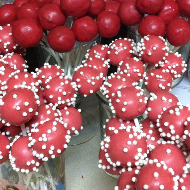 Valentines Cake Pops!