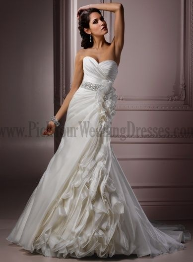 Fairy Wedding Gowns For Woman Chic And Modern Court Train Wedding Dresses
