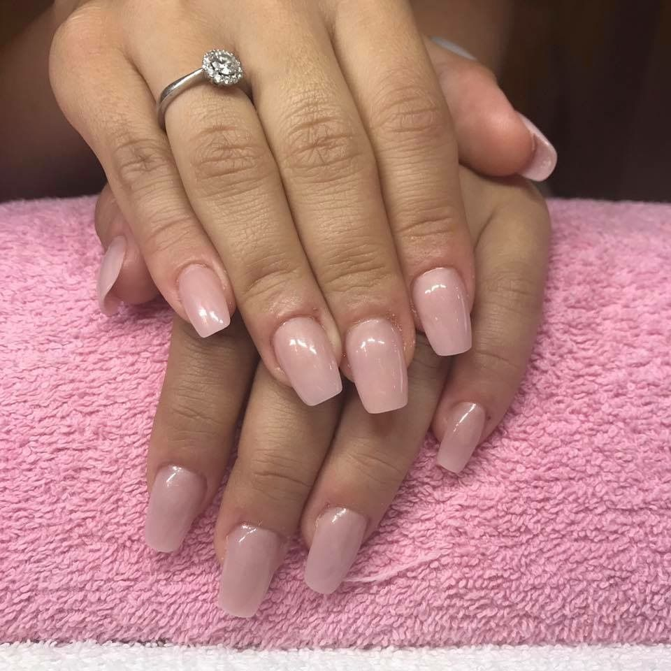 From nail biter to blushing bride 👰🏻 California Nails Stavanger ...