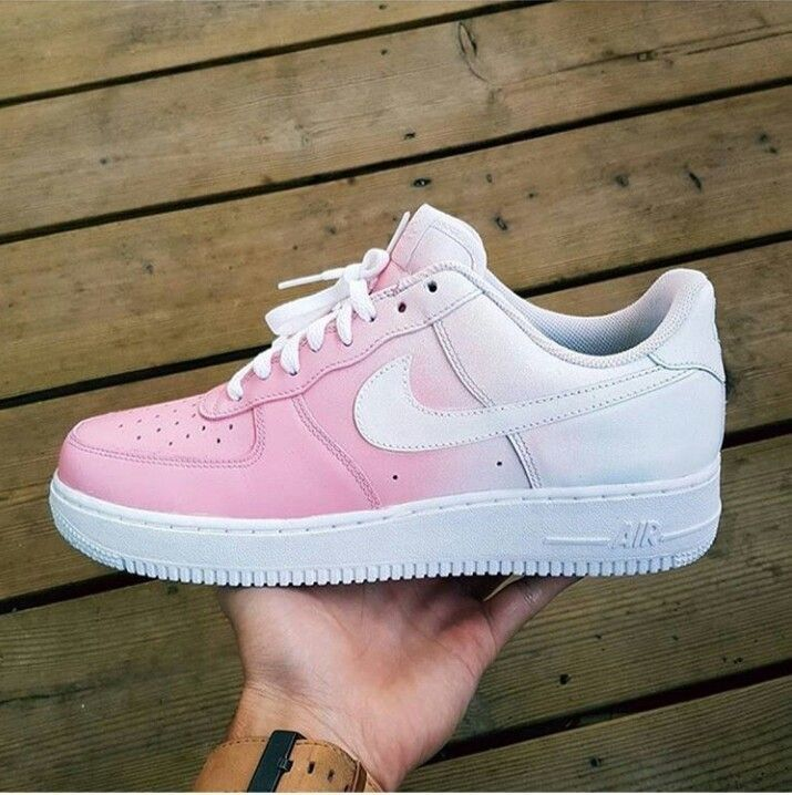 Pin by Carly M. on s h o e s ✌︎ | Nike air shoes, White
