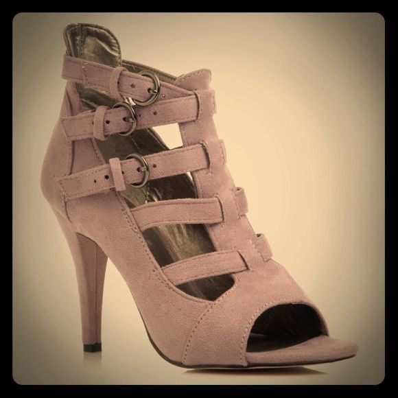 """NEW LISTING! Muted Lilac-y Taupe Gladiator Heels Faux suede strappy gladiator like heeled sandals. They're a muted lilac-greyish color and very comfy even tho I never wore them besides trying on a few times. They're cute but do take a min to get on and off. Heel is 4"""" tall. They do have light toe marks from previous seller and will be cleaned up. No issues beyond that. Fit TTS. Sz 11, Graciela by Shoe Dazzle Shoe Dazzle Shoes Heels"""