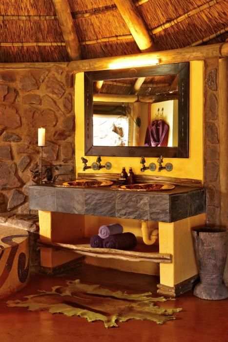 Hand made copper basins, all part of the little detail that makes Jaci's Safari Lodge exceptional.