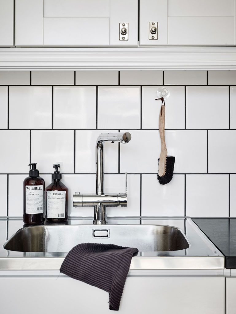Liquid soap, Soaps and Home decor on Pinterest