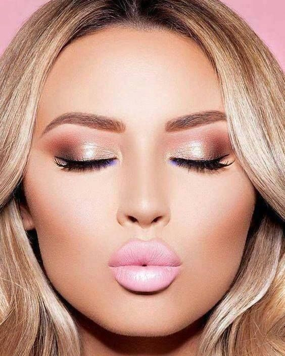 We Are Loving This Rose Gold Make Up Palette For Homecoming Do You