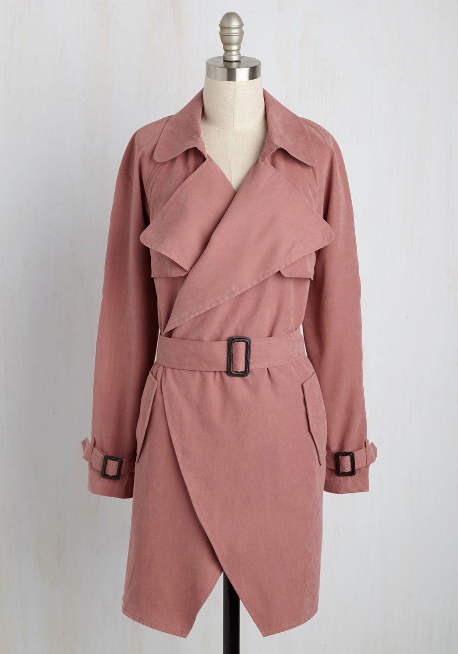 If crafting an alluring look is your calling, then this faux-suede trench coat is just the jacket for the job! Other fashionistas will be hot on the trail, piecing together the clues of your look from the open-front silhouette to the classic belt of this dusty rose layer. Most intriguing, indeed!
