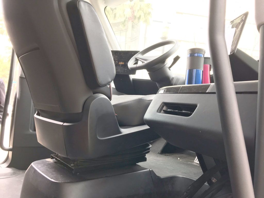 Tesla Semi Truck S Rare Interior Pictures Emerge From