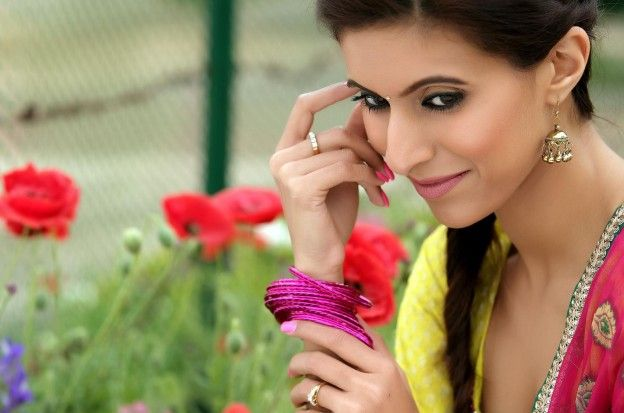 Smiling Punjabi Girl Picture All Pinterest Hd Cute Wallpapers