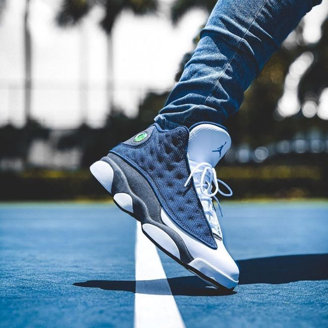 Air Jordan 13 Flint (2020)   Jordan 13 flint, Air jordans, Best ...