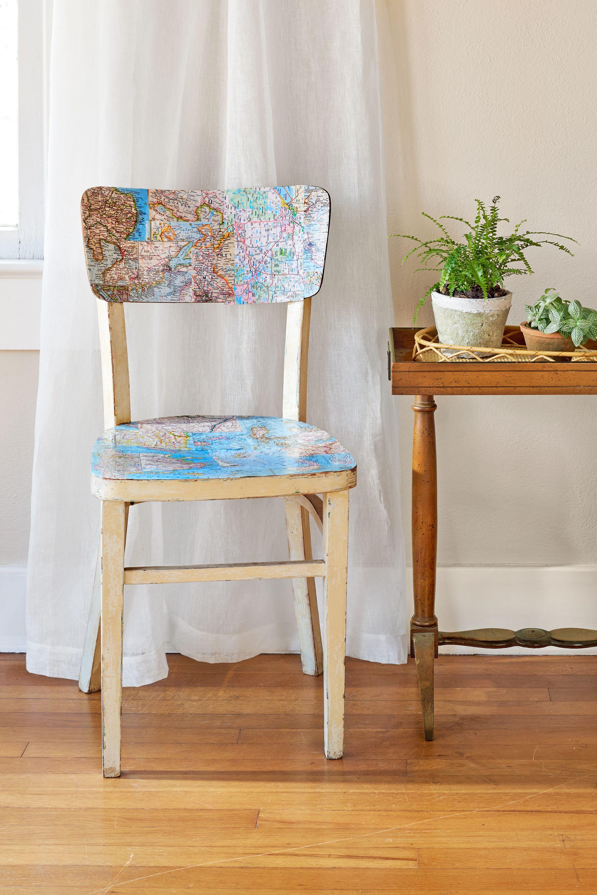The Oops Guide To Upcycling Common Collectibles Deco Chaises