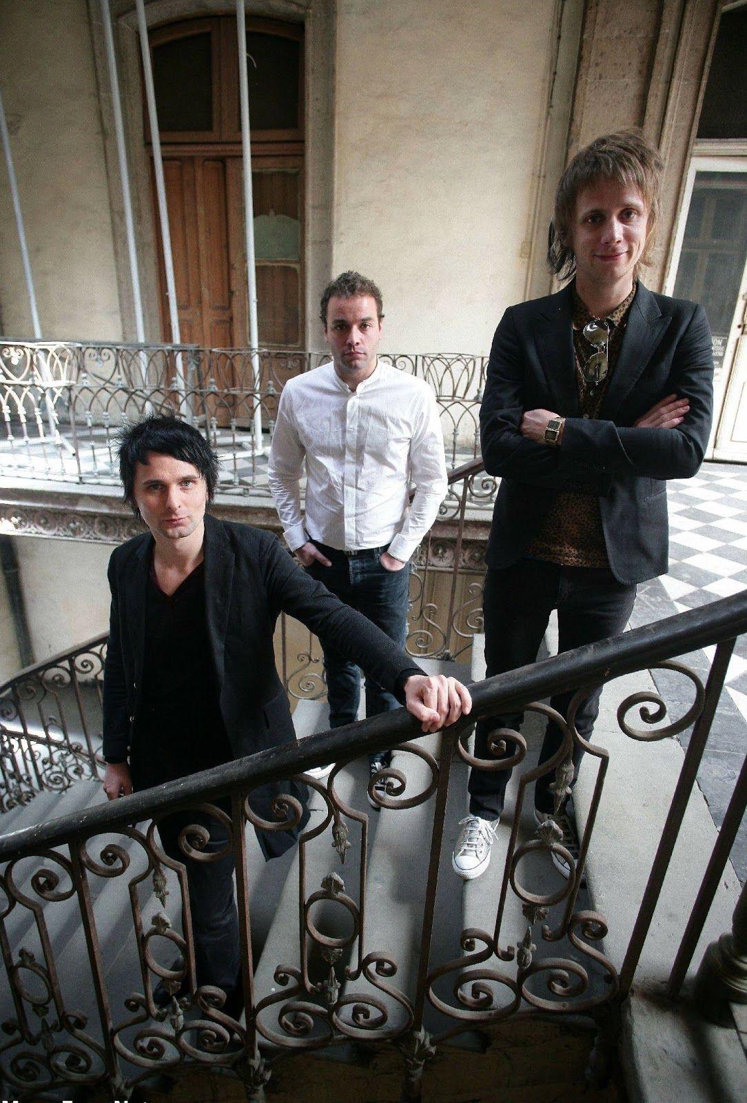 Matt, estás bajito, y todavía te pones abajo xD♡