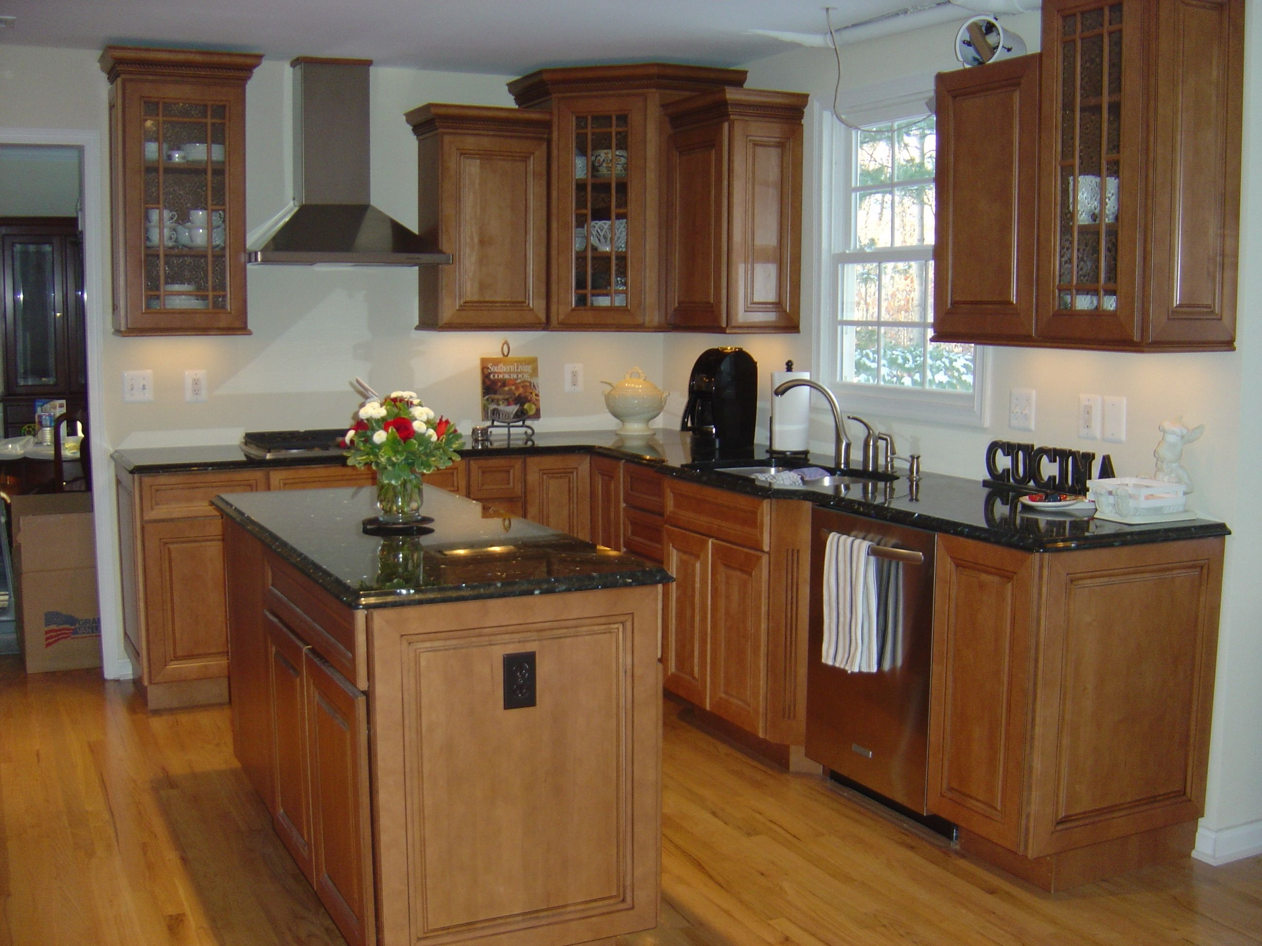 Maple cabinets with black countertops kitchy pinterest for Black and brown kitchen cabinets