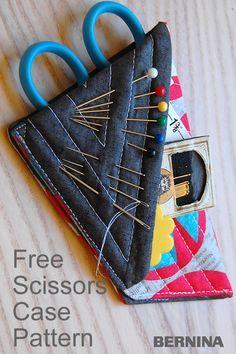 Mini Scissors Case with Needle Minder