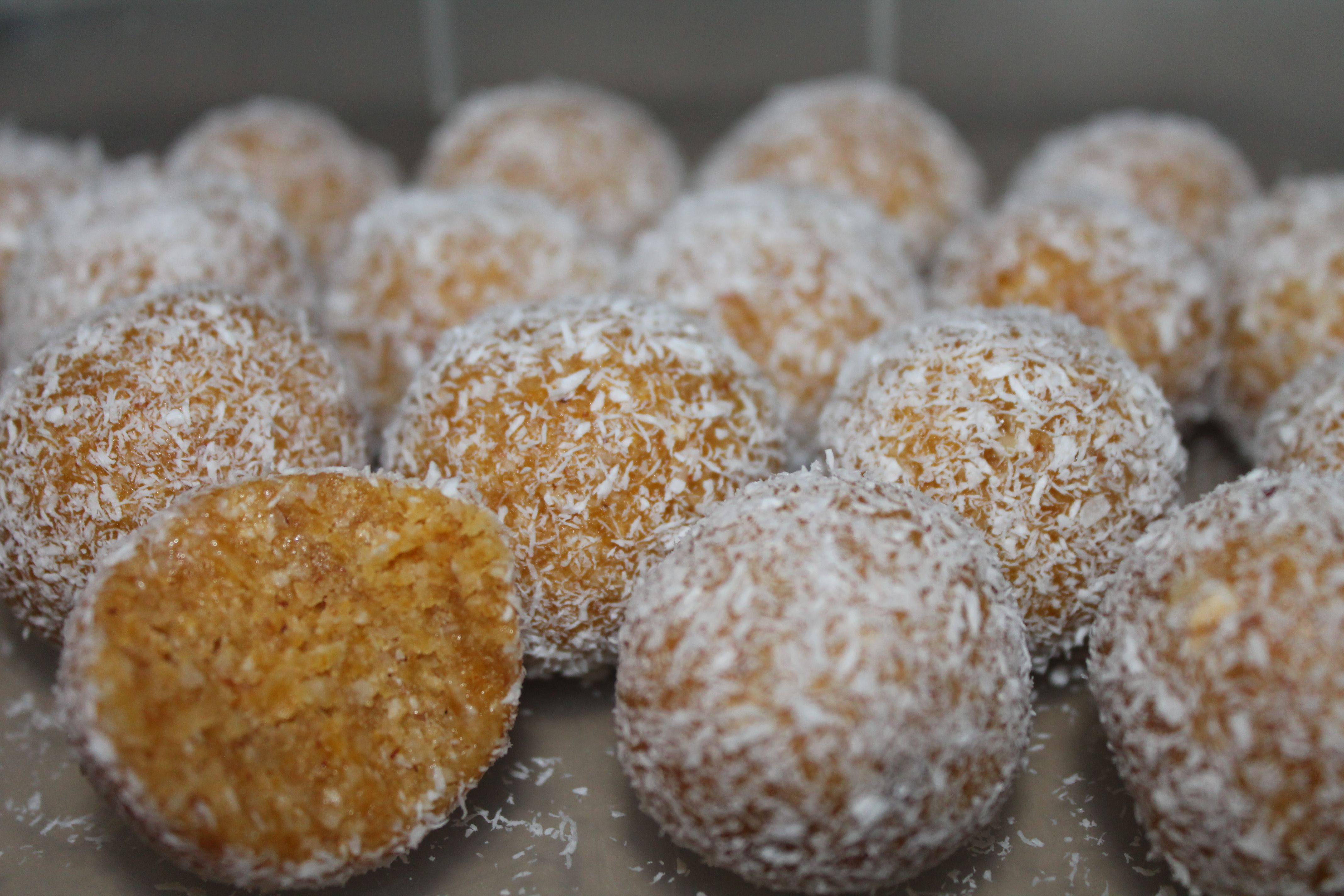 Apricot and Almond bliss balls- For those who don't know, bliss balls are a delicious healthy snack I promise the whole family will love! They are so easy to make and store, plus they are sugar free, gluten free and dairy free if you make them with coconut oil instead of butter!