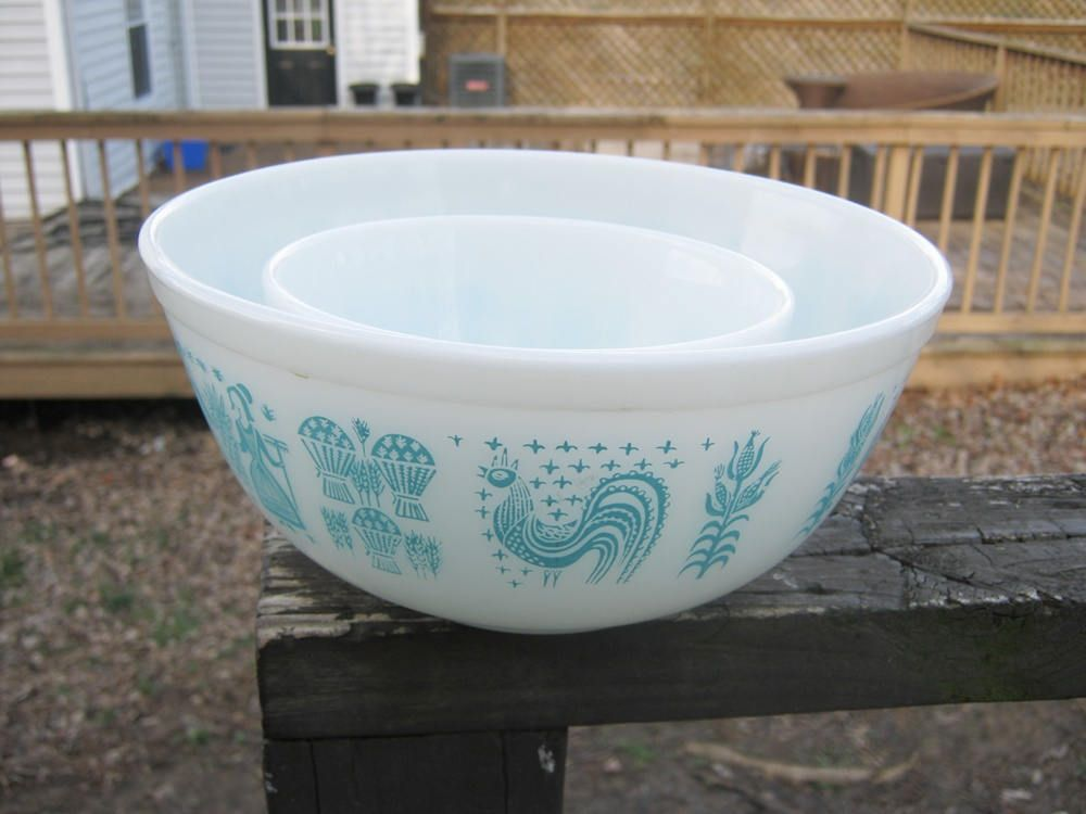 Vintage Pyrex Nesting Bowls, Set Of Two, Amish Farmer And Wife, #401 ...