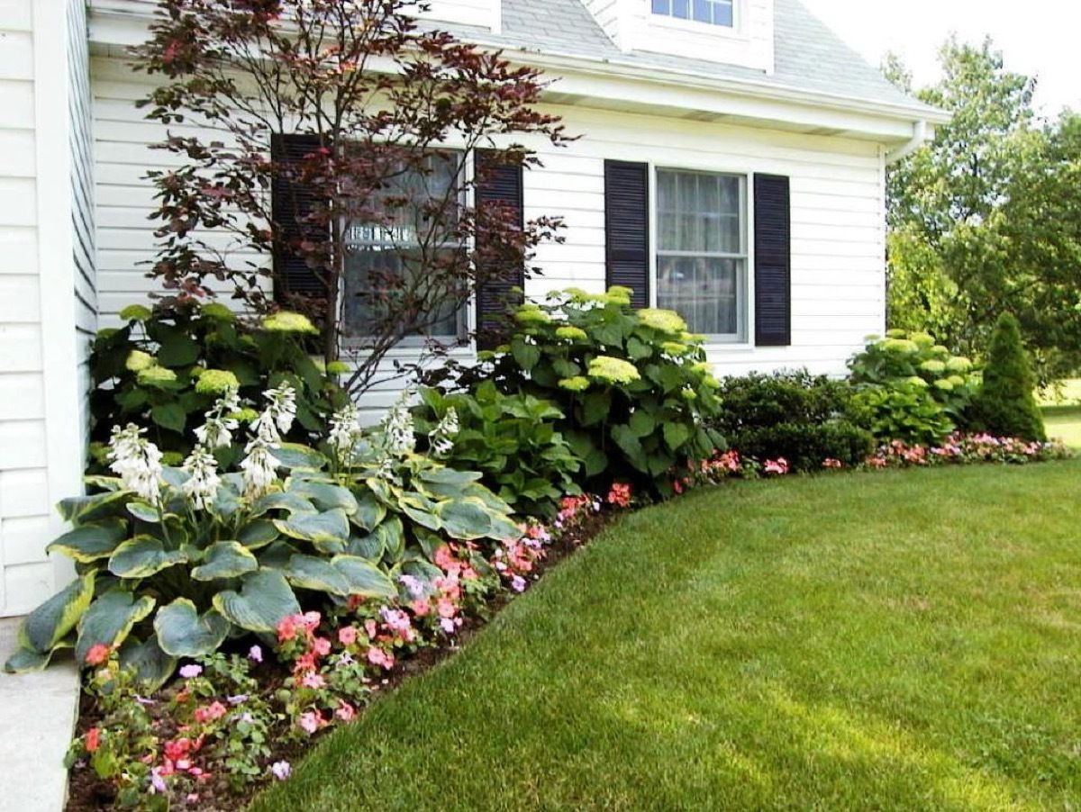 59 Diy Landscaping Ideas And Tips To Improve Your Outdoor Space Side Yard Landscaping Outdoor Landscaping Landscaping Around House Landscaping ideas backyard against house