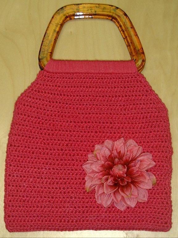 Easy Crochet Purse via Craftsy