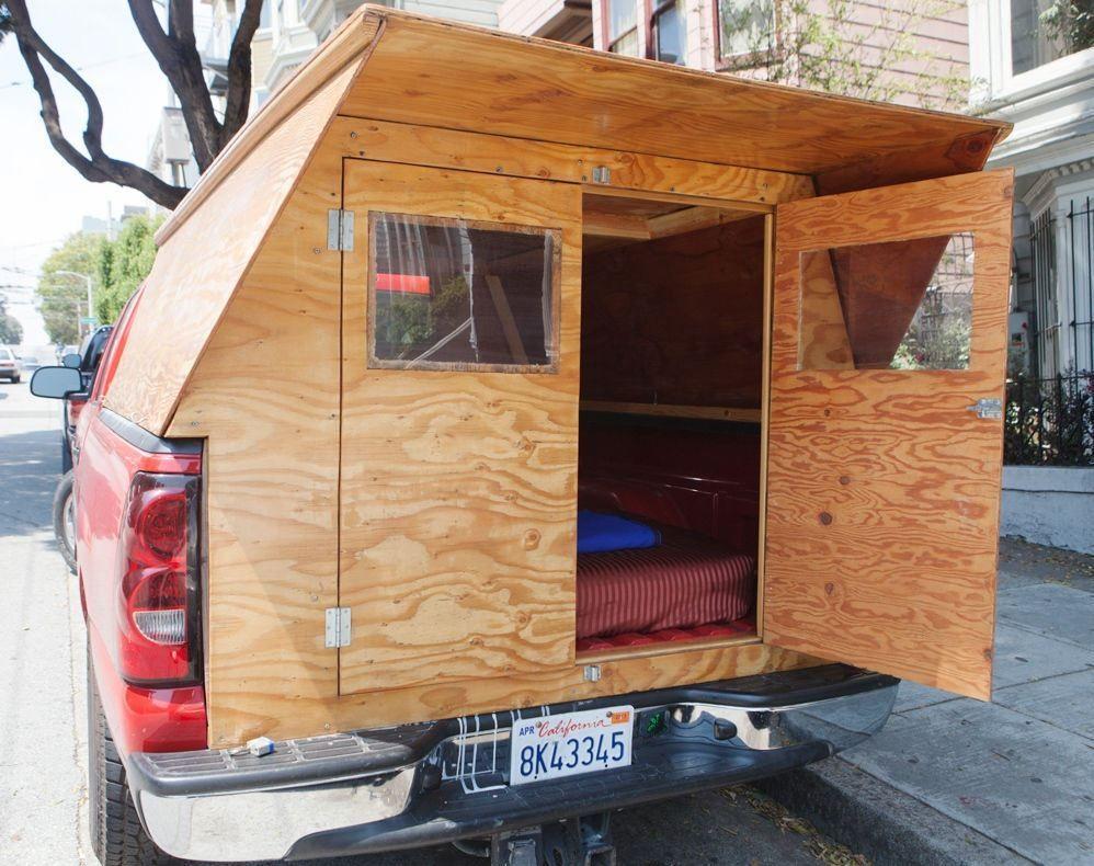 autre mod le de cabane en bois homemade fixer sur un 4x4 homemade houses on wheels. Black Bedroom Furniture Sets. Home Design Ideas