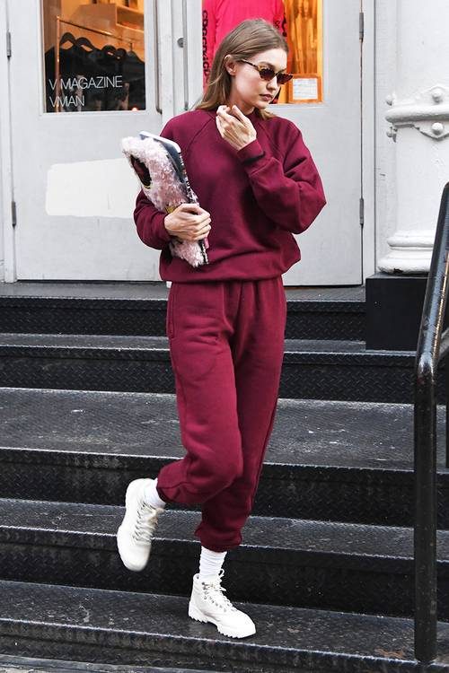 Did Gigi Hadid Just Wear the First It Sneakers of 2019? – Styles of Celebrities. – Ünlülerin Sitilleri ve tarzları