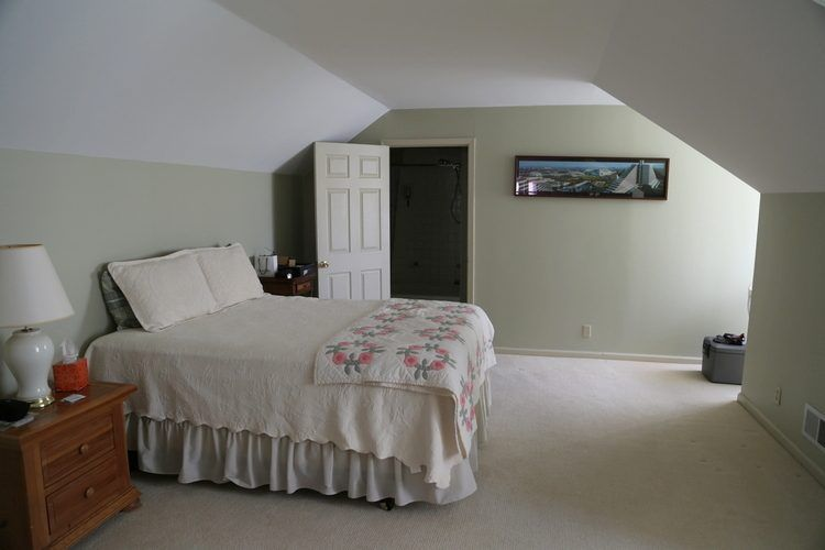 Angled walls or slanted ceilings why you need to paint - What you need to paint a room ...
