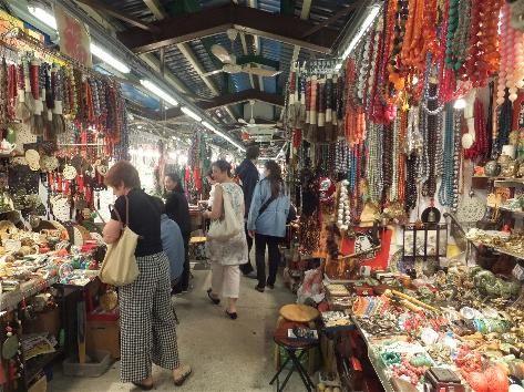 Jade Market Yau Ma Tei Jade Hawker Bazaar For Mum While We Re At Disney Land Kowloon Hong Kong Marketing China Travel