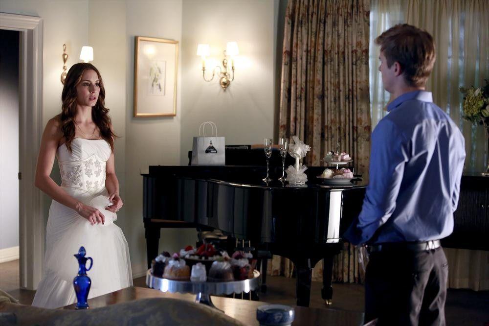 Pretty Little Liars Season 4 Episode 23 Wedding Photos ...